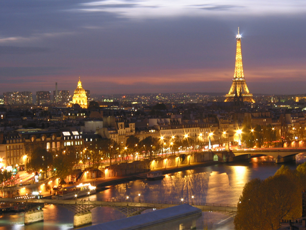 Paris-at-night